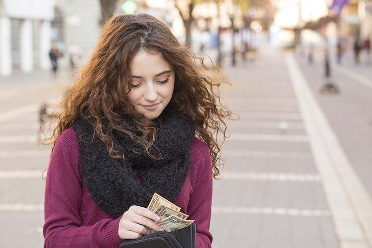 For Millennials, Cash is Here to Stay
